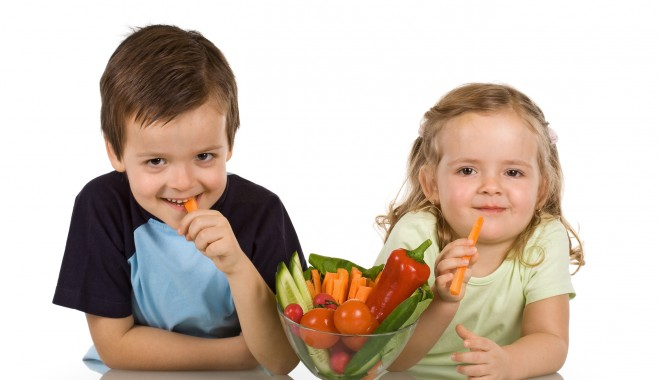Какие витамины лучше принимать для иммунитета детям?